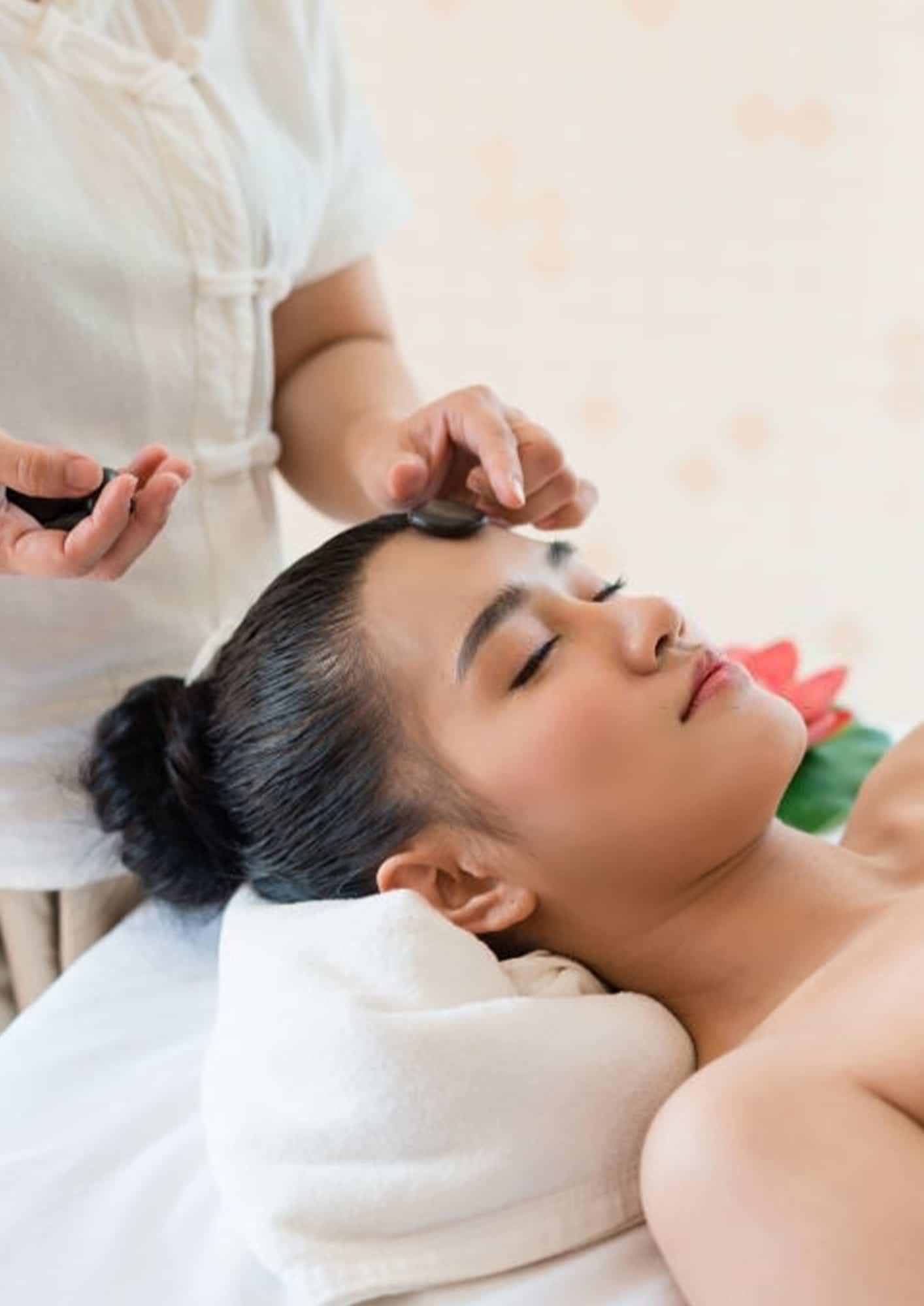 Foto de Massagem com Pedras Frias